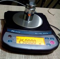 A&D 610 gm Weighing Balance (Model EK610V)