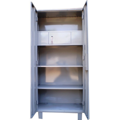Steel Almirah With Locker