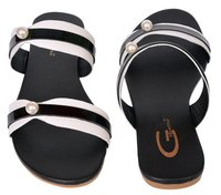 BLACK AND WHITE Flat Sandal