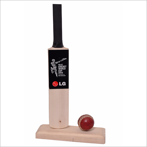 Table Top Cricket Bat With Ball