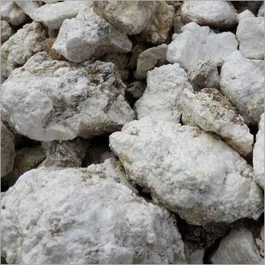Light Magnesium carbonate lumps