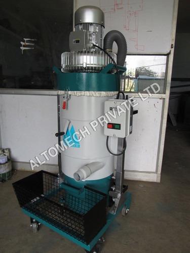 Industrial Wet Vacuum Cleaner