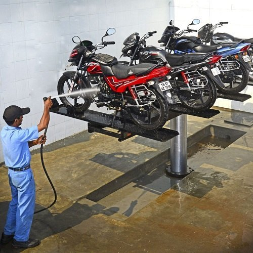 Two Wheeler Washing Hoist
