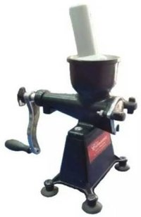 Classic 15 Hand Juicer { Black }