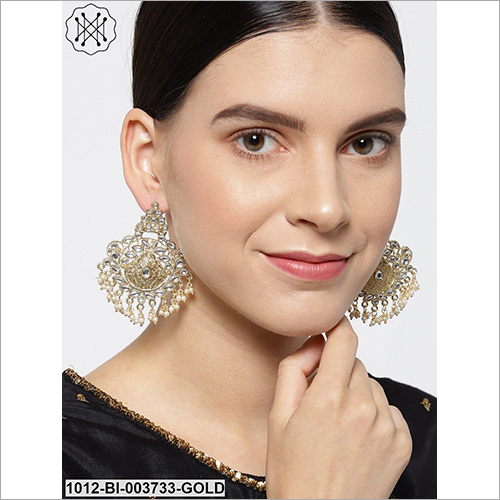 Ladies Party Wear Studded Earring