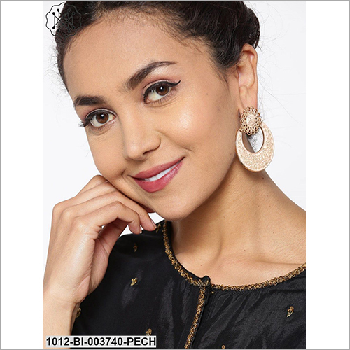Ladies Party Wear Artificial Earring