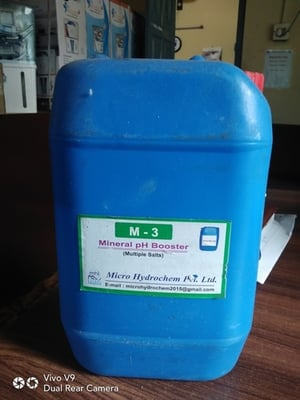 Mineral ph booster chemical