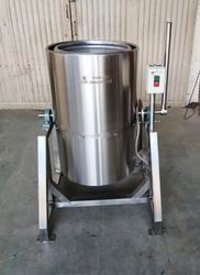 1 HP Tilting type drier Machine Capacity:-100-150 kg/hr