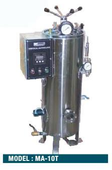 AUTOCLAVE ( TRIPPLE WALL ) VERTICAL