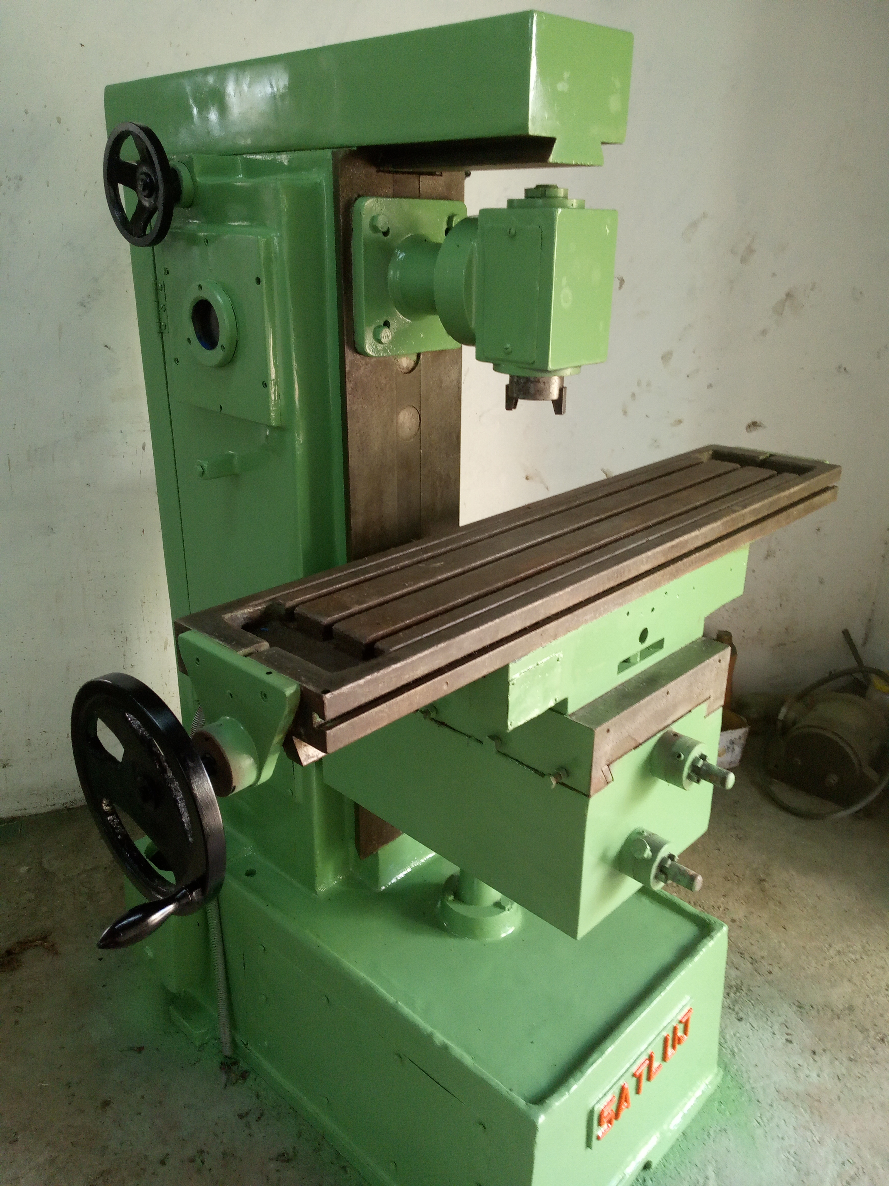 Industrial Universal Milling Machine