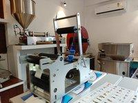 Round Bottle Sticker Labeling Machine