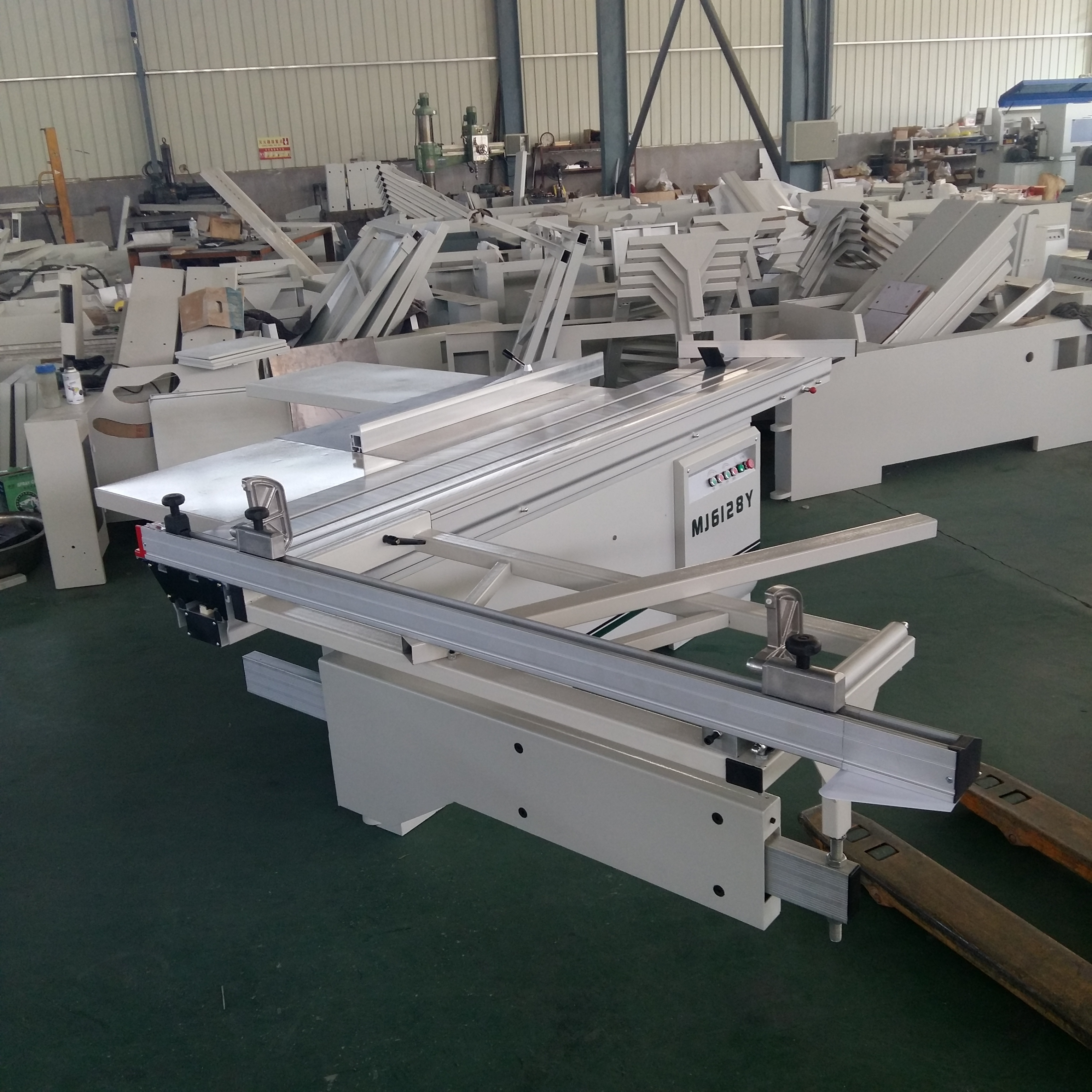 6128Y Precision 2800mm Sliding Panel Saw