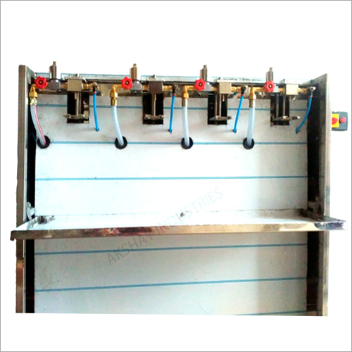 Semi Automatic Four Head Pet Bottle Filling Machine
