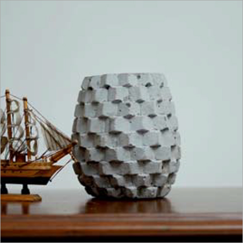 Pineapple Shape Planter - CCPL 1001