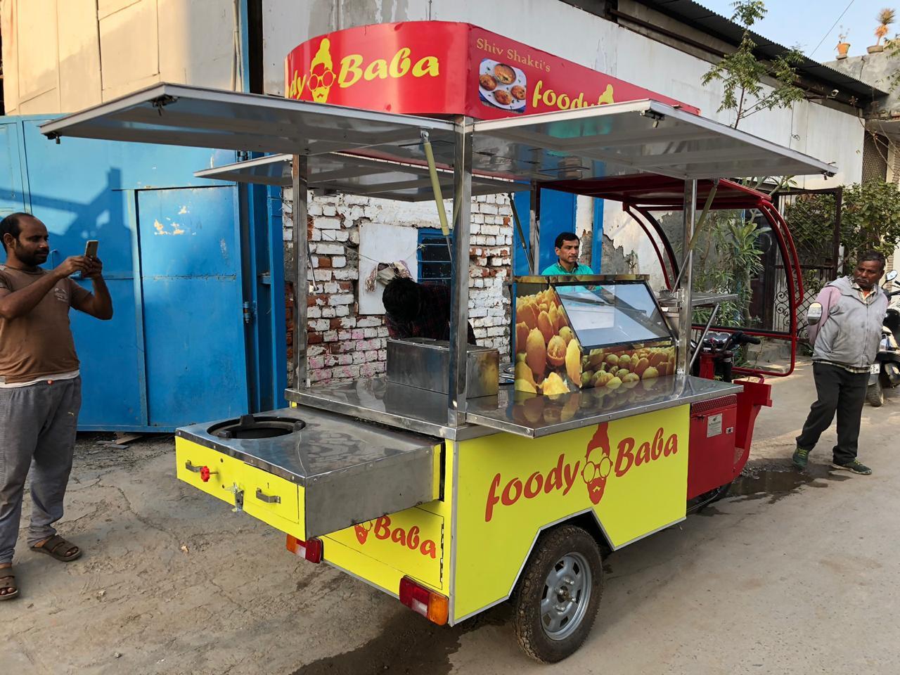 Golgappa Cart on E-Rickshaw