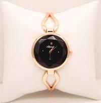 Delicate wrist watch rose gold
