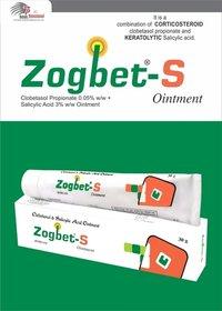 Clobetasol 0.05%w/w + Salicylic acid IP 3% w/w