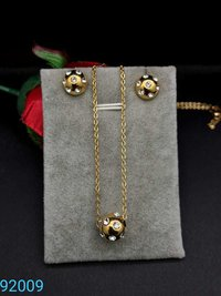 Trendy Chain Pendant With Earrings