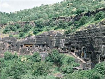 Mumbai with Budhist Tour