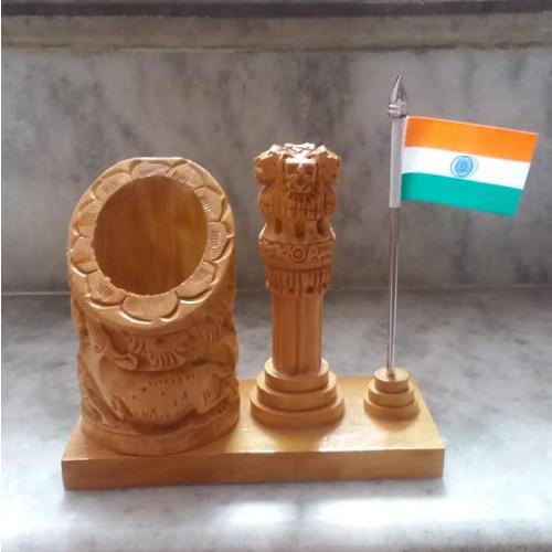 wooden pen holder with ashok stambh table top gift set