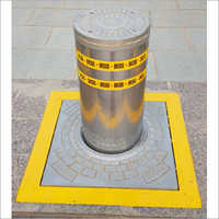 FORCE B12 retractable hydraulic bollard