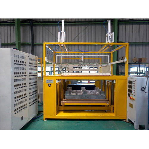 Special Purpose Vacuum Forming Machine