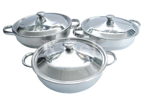 Contessa Dish with Steel Handle