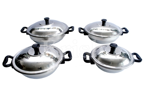 Duke Dish Set with Bakelite Handle - 4 Pcs