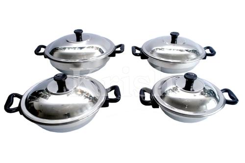 Duke Dish Set with Bakelite Handle - 4 Pcs