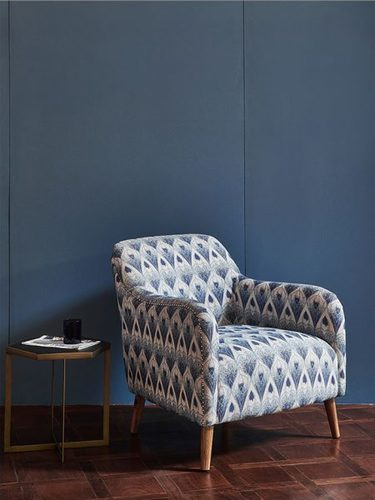 FABRIC UPHOLSTERY CHAIR