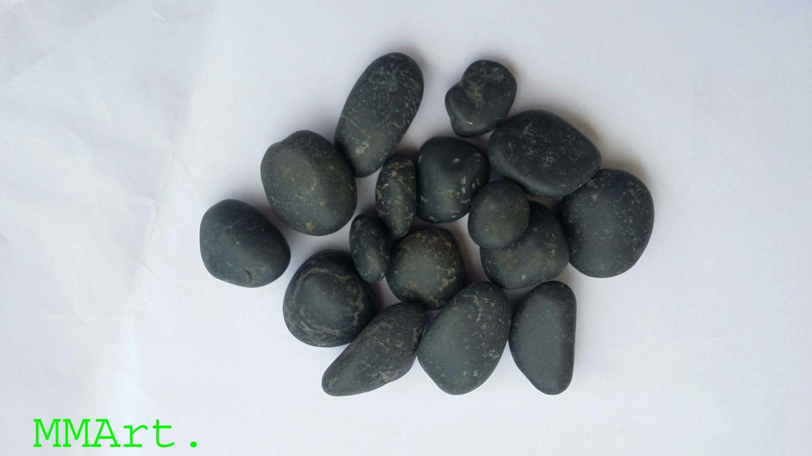 Small Size Machine Made Black Pebbles Stone