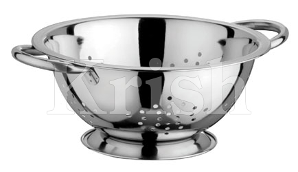 Deep Colander With Star Cutting