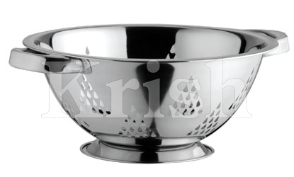 Deep Colander With Pyramid Cutting