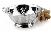 Deep Colander With Pineapple Cutting
