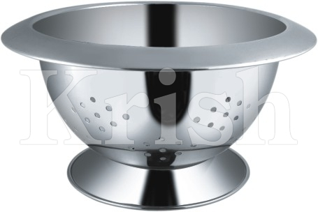 Wide Collar Deep Colander With Capsule Cut
