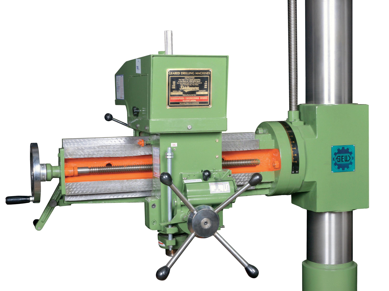 Universal Radial Drilling Machine