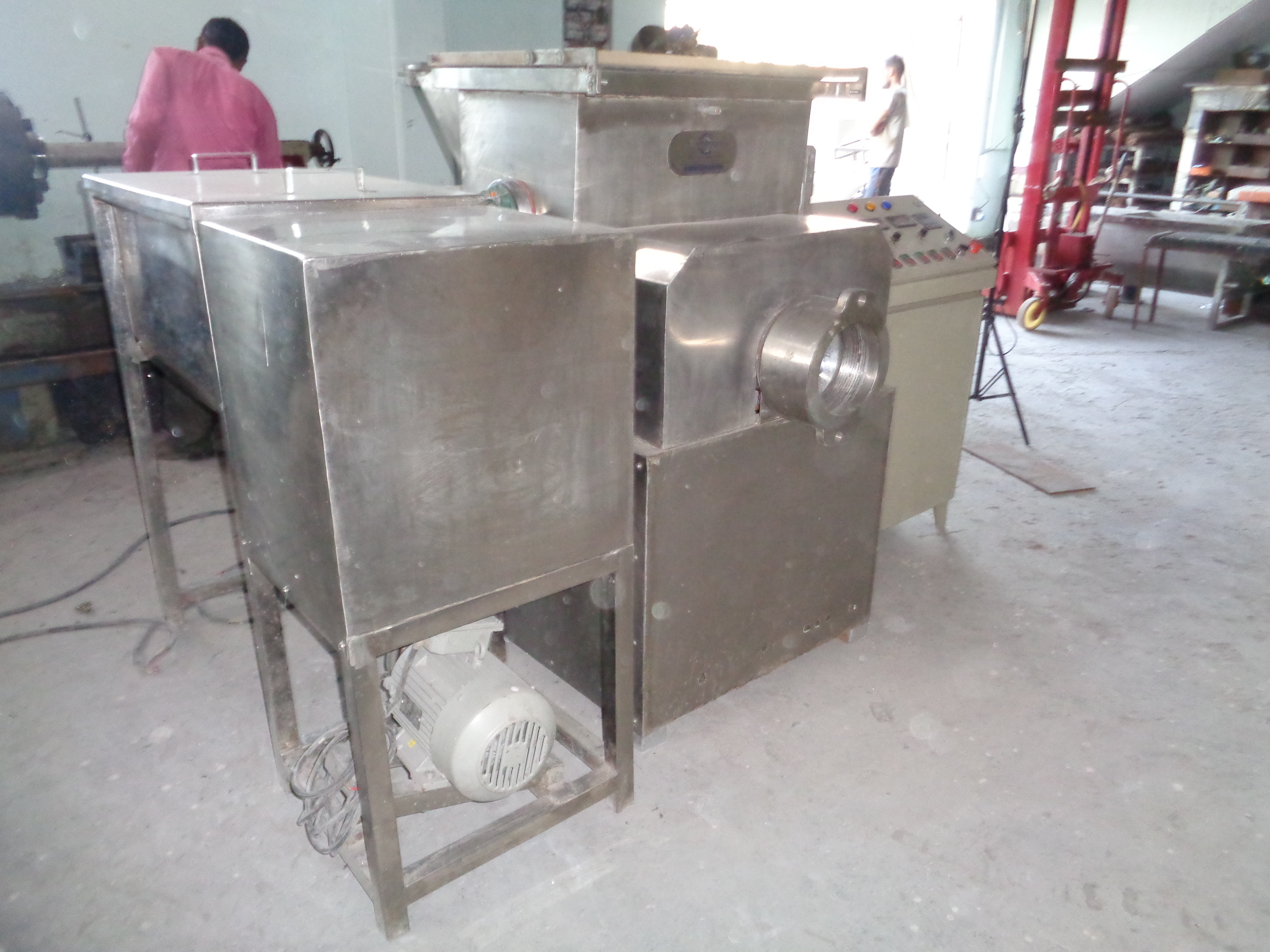 Automatic Pasta Extruder Machine