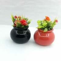 Small matki shape planter