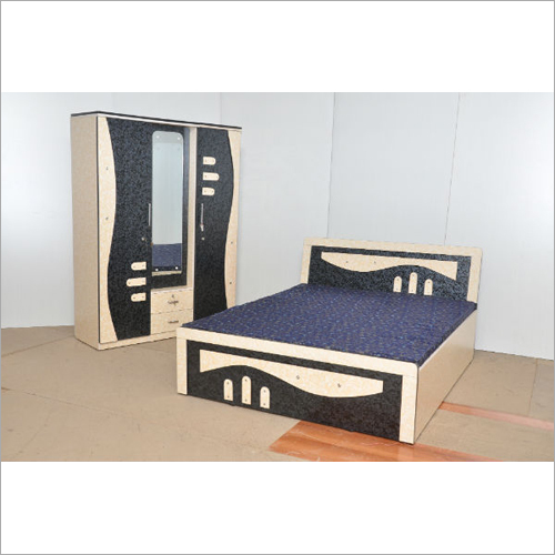 Wooden Fancy Almirah Bed Set