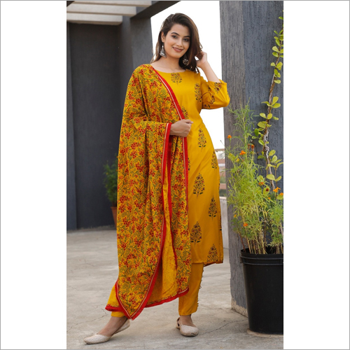 Mustard Bolck printed suit set