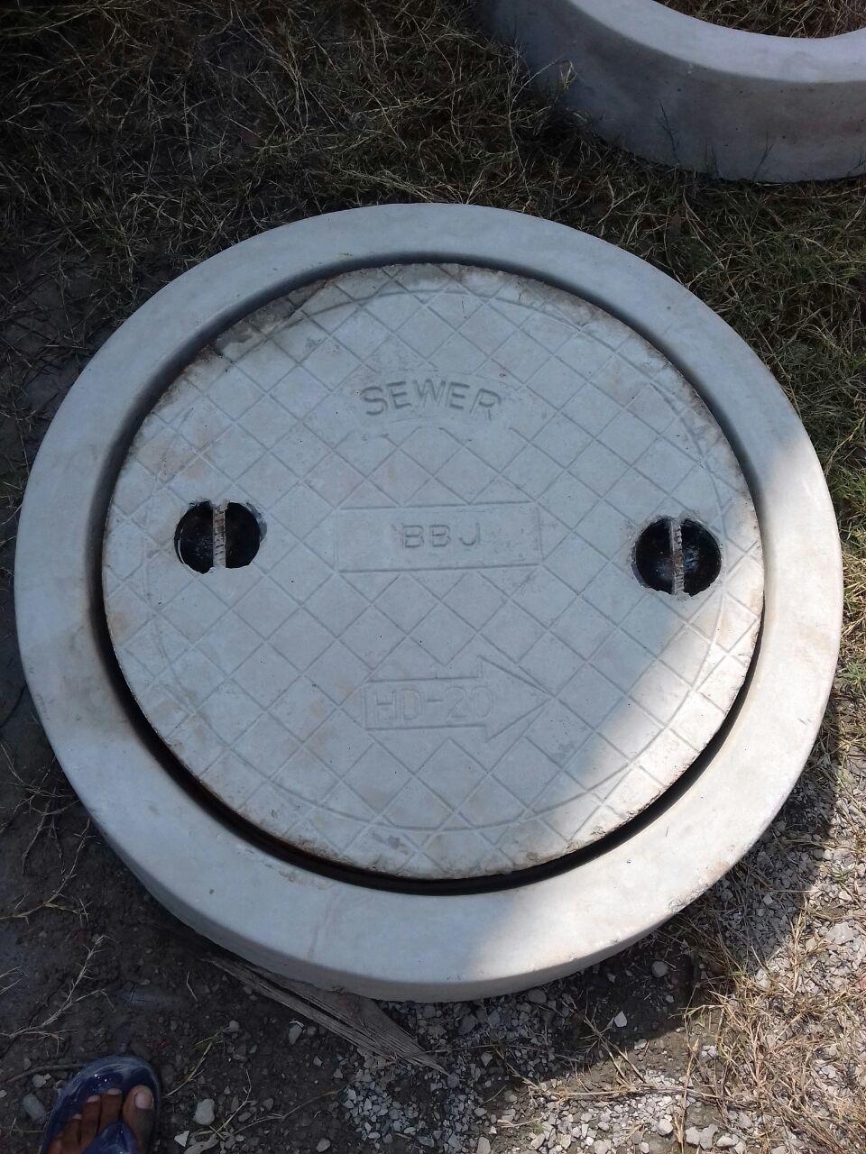 RCC Main Hole Mould