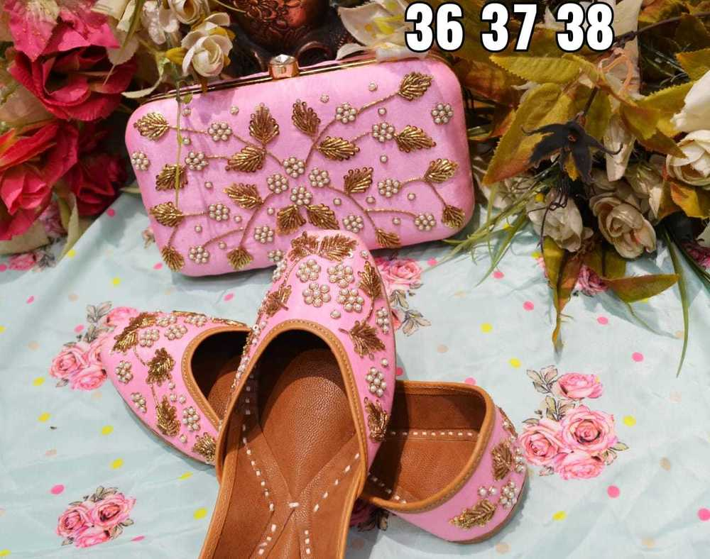 Baby Pink Colour Punjabi Jutti With Pearl Work With Maching Clutch Heel Size: Flat
