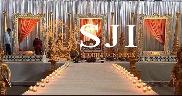 Golden Carved Wedding Fiber Frame