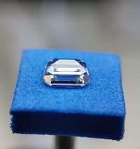 Emerald Diamond 3.02ct F VS2 Shape IGI Certified CVD TYPE2A