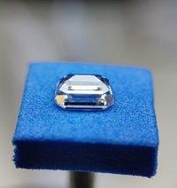 Emerald Diamond 2.27ct F VVS1 Shape IGI Certified CVD TYPE2A