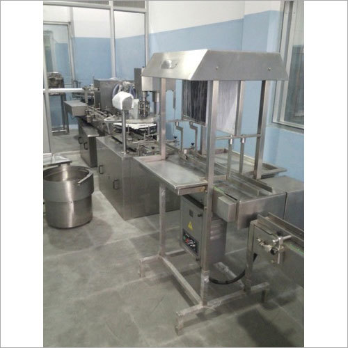 Full Automatic Liquid Filling Machine