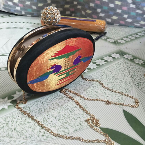 Round Shape Clutch