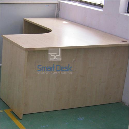 Free Standing Corner Workstation