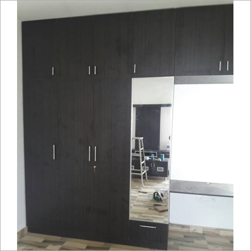 Polished Bedroom Wooden Wardrobe