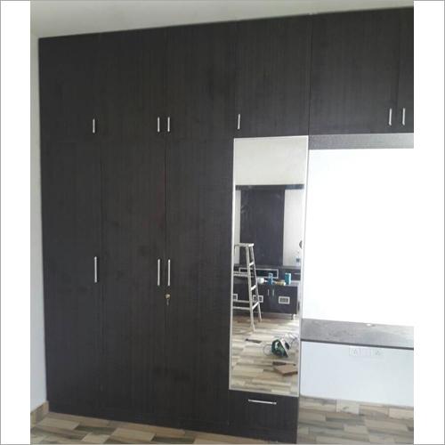 Polished Bedroom Wooden Wardrobe